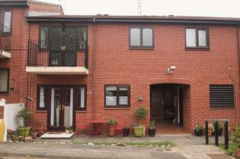 2 Bedrooms Flat for sale in Aysgarth Road, Linthorpe