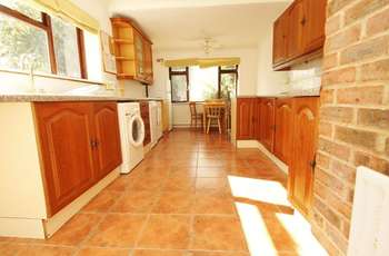 6 Bedrooms Detached House for rent in Charminster, Bournemouth