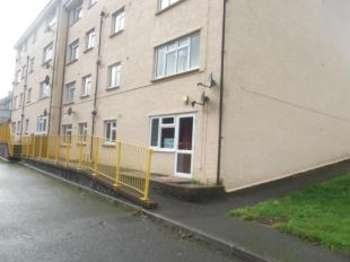2 Bedrooms Maisonette Flat for sale in Camelford, Cornwall