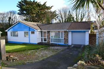 3 Bedrooms Detached Bungalow for sale in Ros Lyn, St. Ives