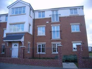 2 Bedrooms Flat for sale in Ellesmere Close, HOUGHTON LE SPRING, Tyne and Wear