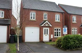3 Bedrooms Detached House for sale in Masefield Road, Little Lever, Bolton