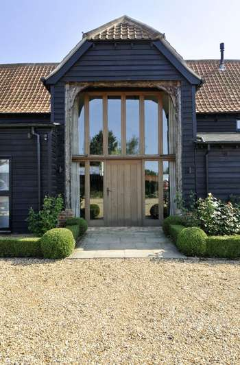 5 Bedrooms Property for sale in Knowles Barn, London Road, Colchester, Essex, CO6