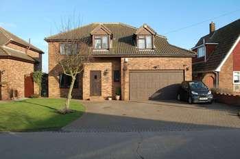 5 Bedrooms Detached House for sale in Grosvenor Road, Orsett