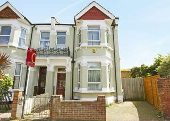 4 Bedrooms Semi Detached House for sale in Willcott Road, Acton