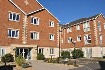 2 Bedrooms Flat for sale in Harpham Close, Scunthorpe