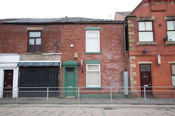 3 Bedrooms Terraced House for sale in Manchester Road, Castleton, Rochdale OL11 3AH
