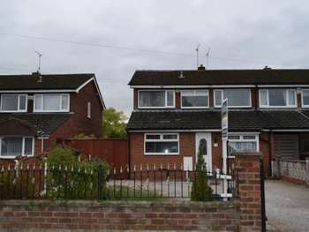 4 Bedrooms Semi Detached House for sale in Saughall Road, Chester