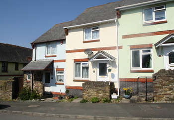 2 Bedrooms Terraced House for sale in Knighton Road, Wembury.