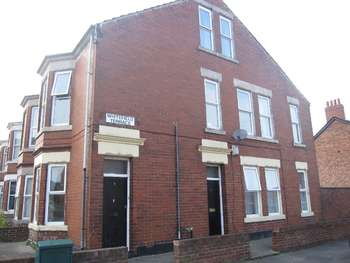 6 Bedrooms Flat for sale in Whitefield Terrace, Heaton