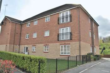 2 Bedrooms Flat for sale in Chariot Drive, Wrexham