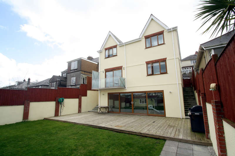 4 Bedrooms Detached House for sale in Underlane, Plympton.