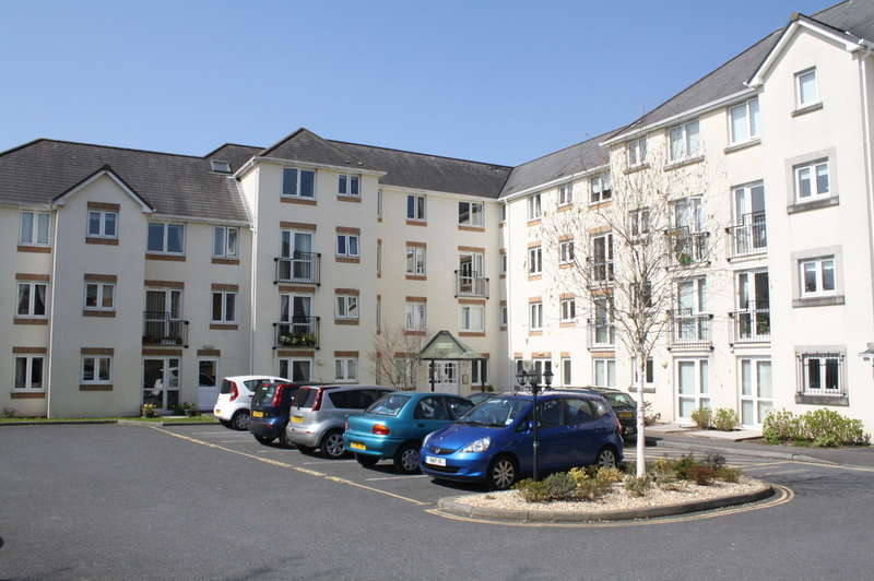 1 Bedroom Flat for sale in Maple Court, Horn Cross Road, Plymstock.