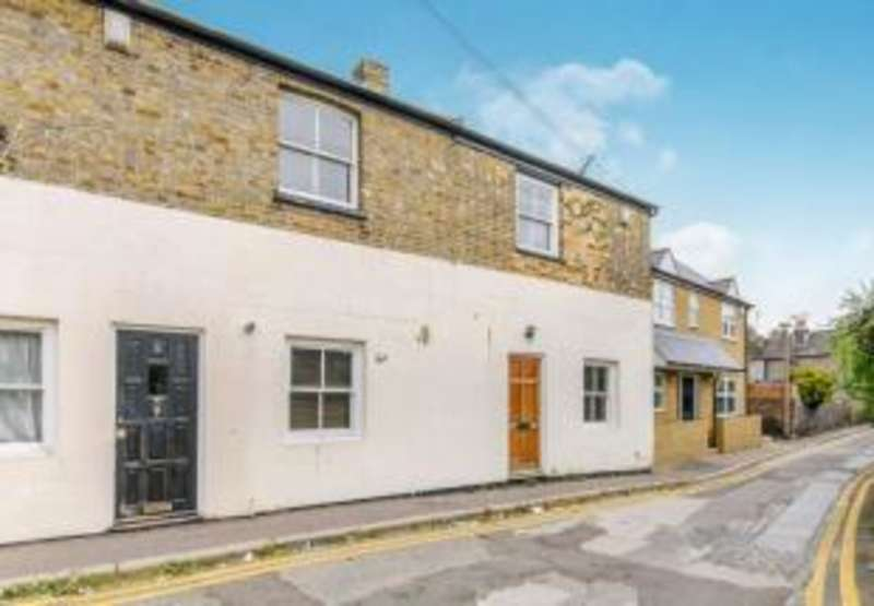 2 Bedrooms Cottage House for sale in Ashburnham Road, Ramsgate, Kent