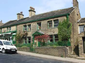 4 Bedrooms Terraced House for sale in Highgate, Bradford