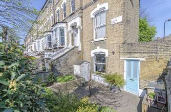 2 Bedrooms Property for sale in Evering Road, London, N16