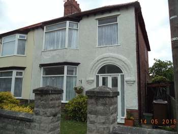 3 Bedrooms Semi Detached House for sale in Rosebery Avenue, Brighton le Sands