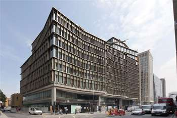 3 Bedrooms Flat for sale in Kings Gate, Victoria, London, SW1E