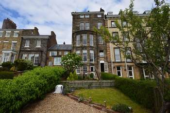 2 Bedrooms Flat for sale in Upgang Lane, Whitby