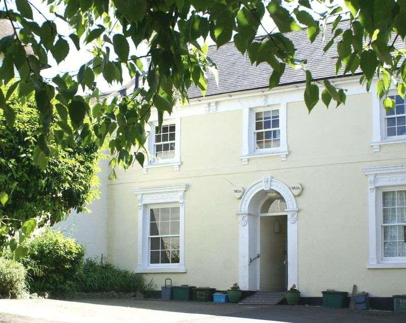 1 Bedroom Flat for sale in Mill Street, Chagford