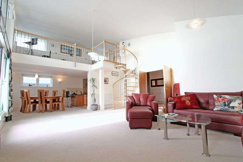 3 Bedrooms Flat for sale in The Quay, Poole