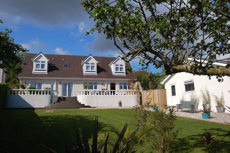 4 Bedrooms Detached House for sale in Hendrefoilan Road, Sketty, Swansea