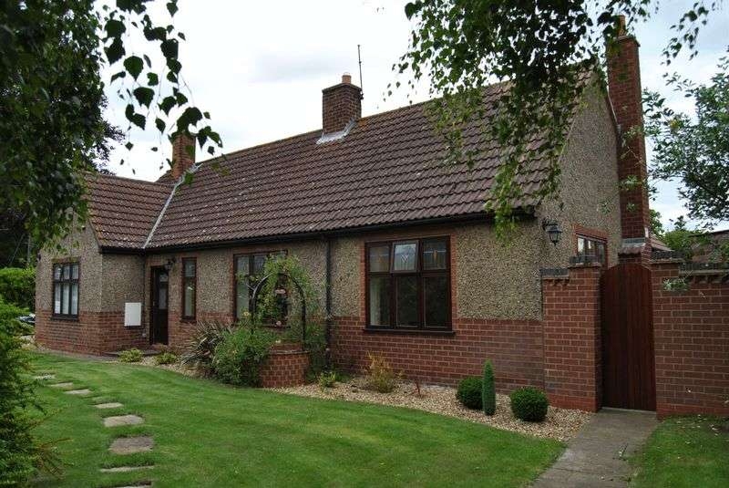 3 Bedrooms Detached Bungalow for sale in Church Street, Messingham