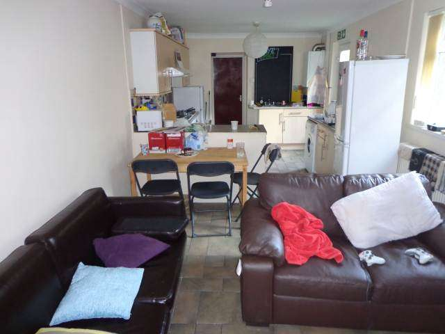 8 Bedrooms House for rent in Gordon Road, Roath ,