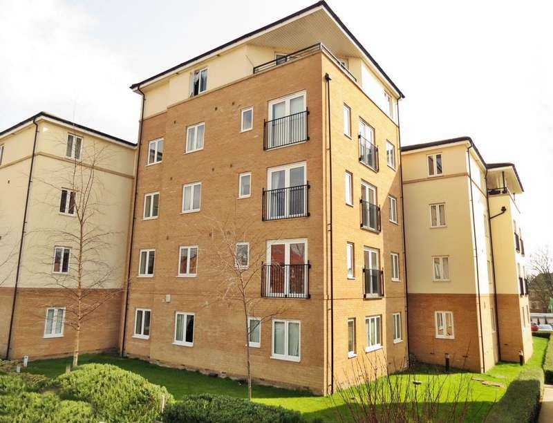 2 Bedrooms Flat for sale in Ash Court, Leeds, LS14