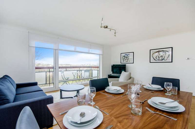 2 Bedrooms Flat for rent in Shepherds Hill, Highgate, N6