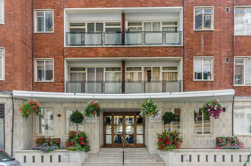 Studio Flat for sale in Buckingham Gate, St James's Park, SW1E
