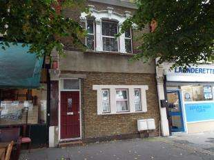 2 Bedrooms Flat for sale in Hainault Road, London