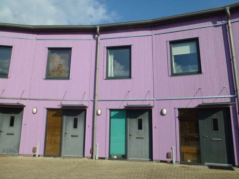 2 Bedrooms Terraced House for rent in The Serpentine, Aylesbury *REDUCED REFERENCING FEES*
