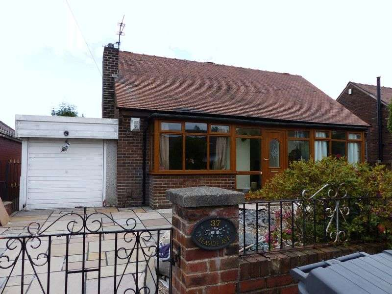 4 Bedrooms Detached Bungalow for sale in Leaside Avenue, Chadderton