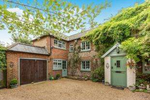3 Bedrooms Semi Detached House for sale in Chalcraft Lane, Bognor Regis