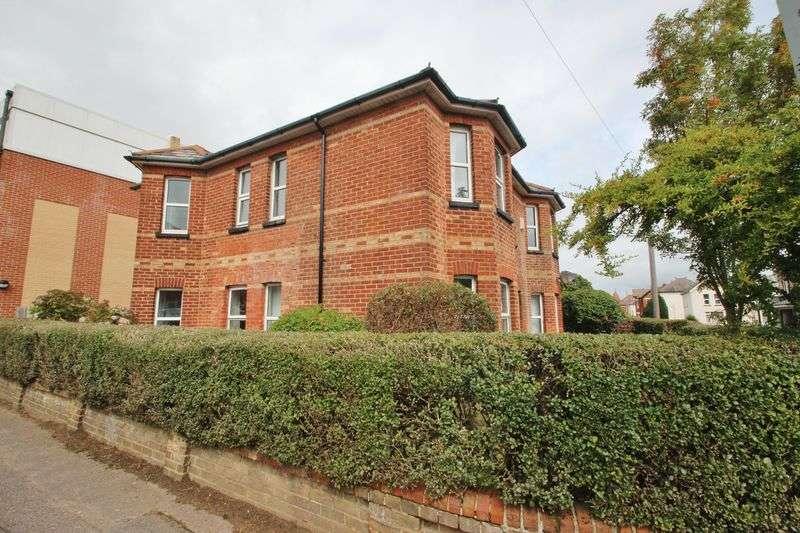 6 Bedrooms Detached House for rent in Waterloo Road, Winton