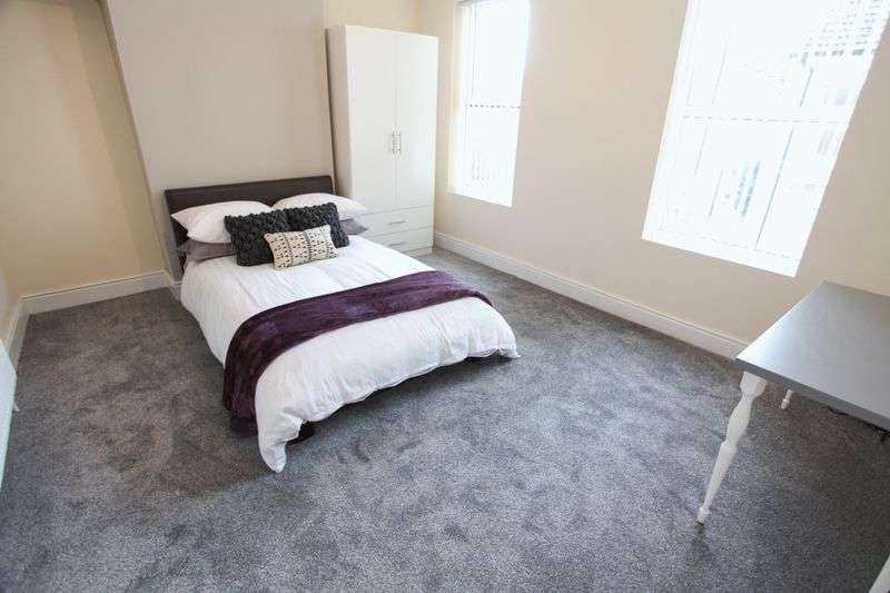 5 Bedrooms Property for rent in Cotswold Street, Liverpool (2017-18 Academic Year)