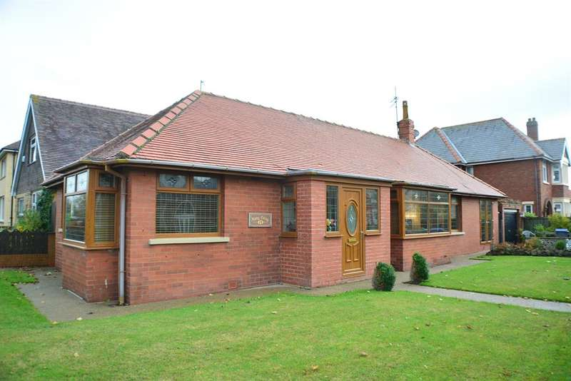 3 Bedrooms Detached House for sale in Stony Hill Avenue, Blackpool, Lancashire, FY4 1PP