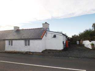 2 Bedrooms Semi Detached House for sale in Llainwen, Pencarnisiog, Ty Croes, Sir Ynys Mon, LL63