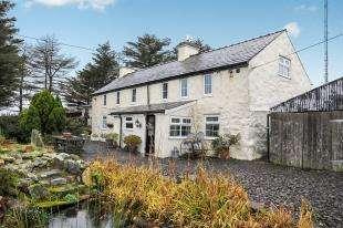 3 Bedrooms Detached House for sale in Nasareth, Caernarfon, Gwynedd, LL54