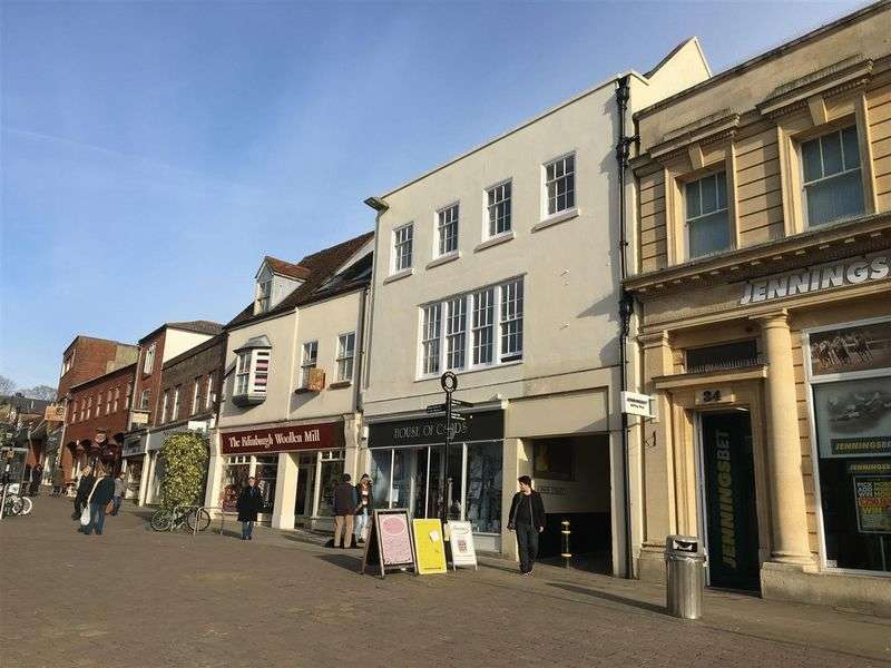 2 Bedrooms Flat for sale in High Street, Andover