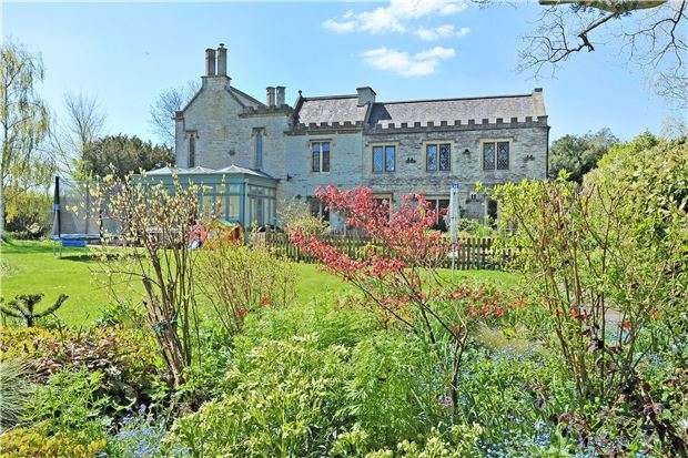 5 Bedrooms Detached House for sale in Kings Square, Bitton, NR BATH