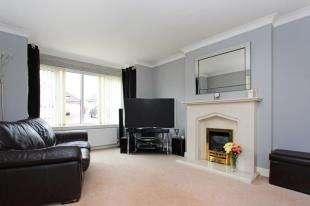 3 Bedrooms Bungalow for sale in Muirsland Place, Lesmahagow