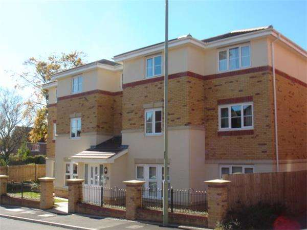 1 Bedroom Flat for sale in Meadow Hill CHURCH VILLAGE CF38 1RX