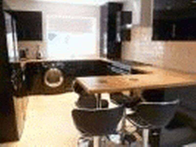 6 Bedrooms Terraced House for rent in 6 Bedroom Student Accommodation - Lovely Kitchen