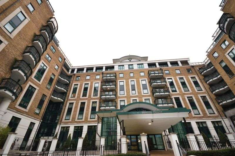 3 Bedrooms Flat for sale in Three Bedroom Apartment for sale in Warren House, West Kensington, London W14