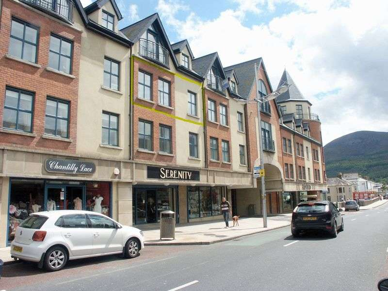 2 Bedrooms Flat for sale in Second Floor Apartment