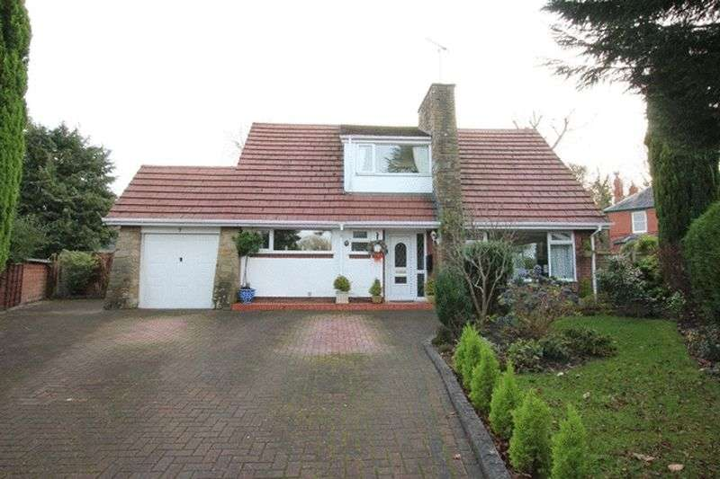 3 Bedrooms Detached House for sale in Blakeley Court, Raby Mere, Wirral