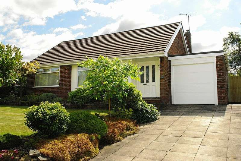2 Bedrooms Detached Bungalow for sale in 4 Woodland Park, Royton