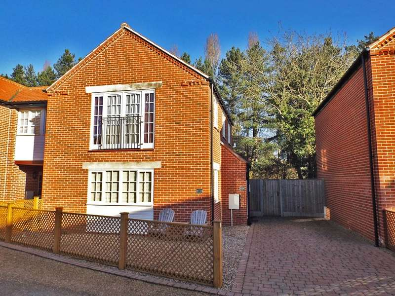 3 Bedrooms Link Detached House for sale in Burtons Mill, Stalham, Norfolk, NR12
